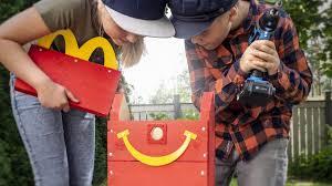 McDonald's, Happy Meal Menüleriyle Birlikte Kuş Yuvaları Veriyor