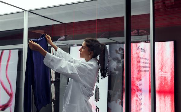 H&M, Eski Giysileri Yepyeni Parçalara Dönüştürüyor