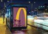 McDonald's'ın Teslimat Hizmetini Tasvir Ettiği Yeni Reklam Panoları