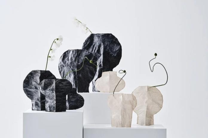 Plastik Poşetlerden Dönüştürülmüş Saydam Vazolar